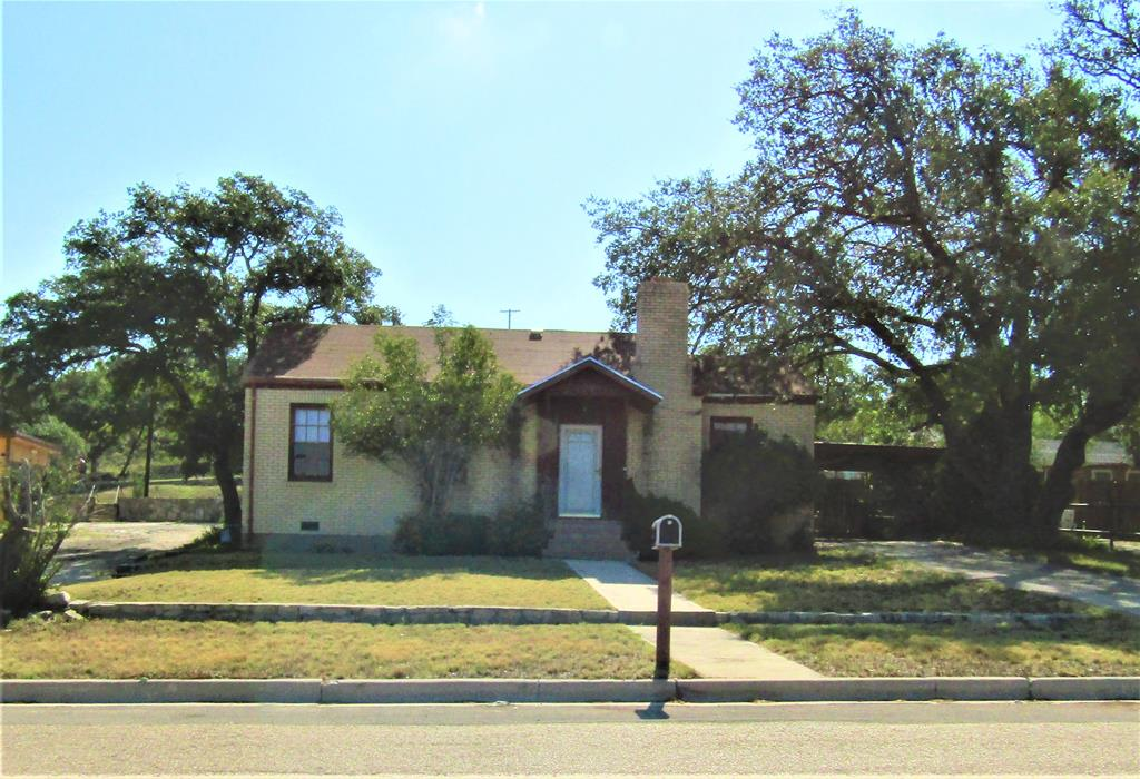 1101 S Concho Ave Property Photo 1