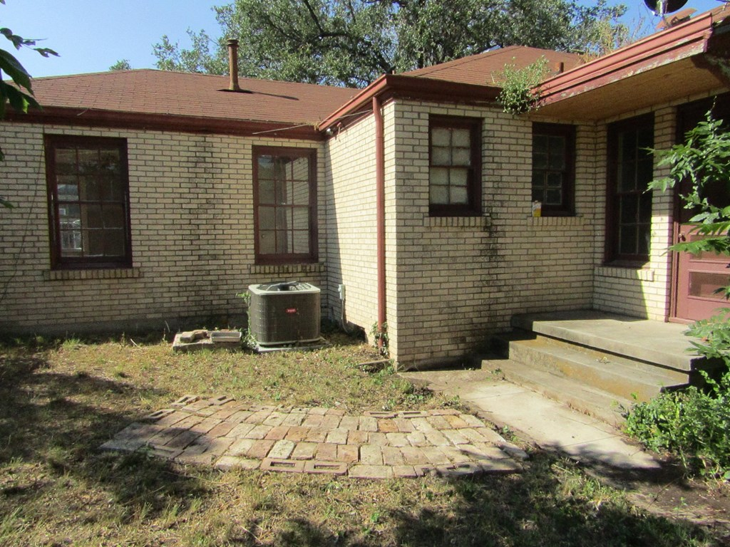 1101 S Concho Ave Property Photo 12