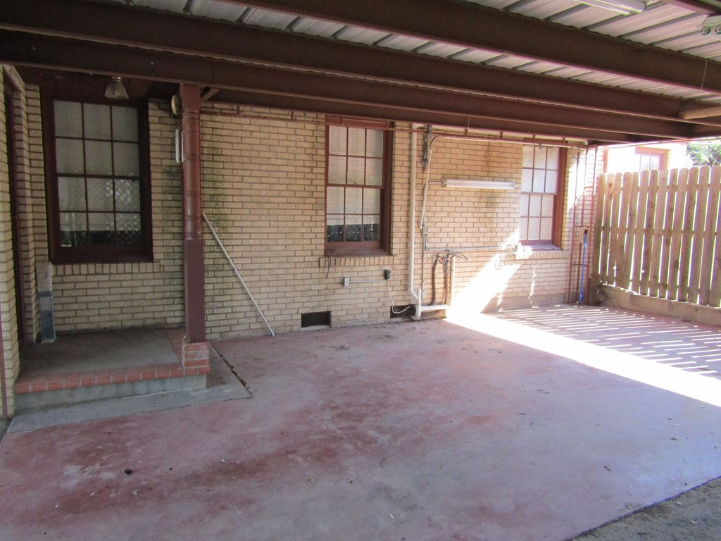 1101 S Concho Ave Property Photo 13