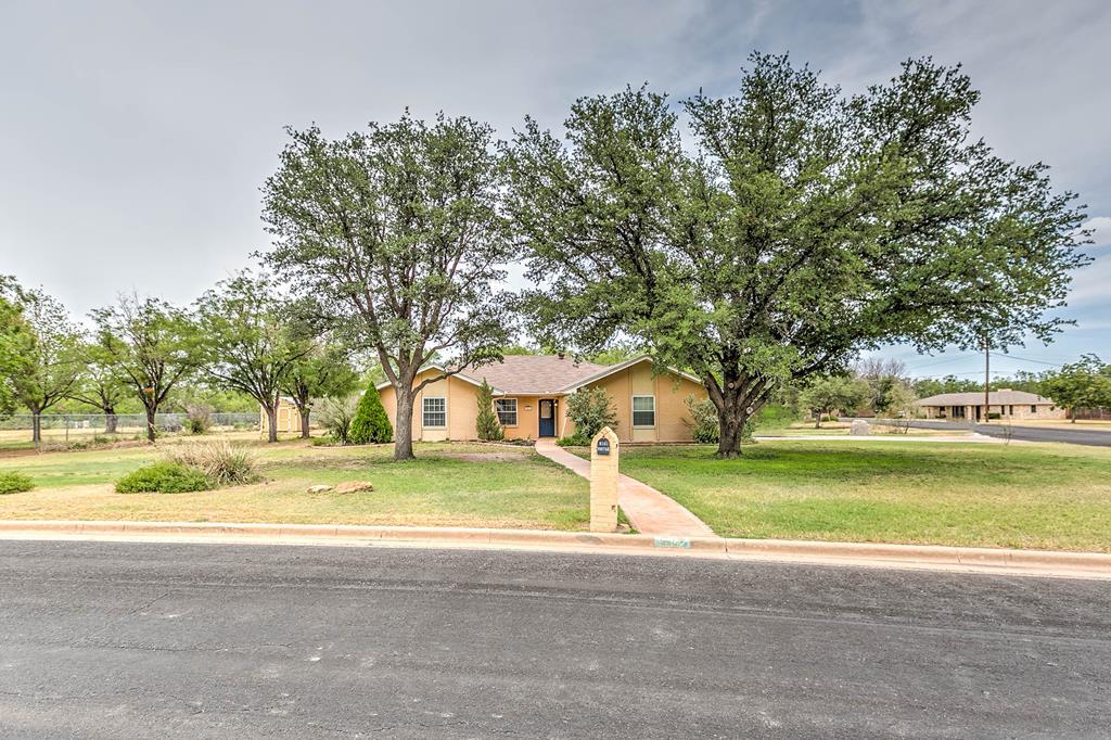 5352 Briarwood Dr Property Photo 1