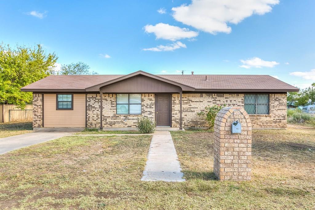 1403 Ave Ave C Property Photo 1