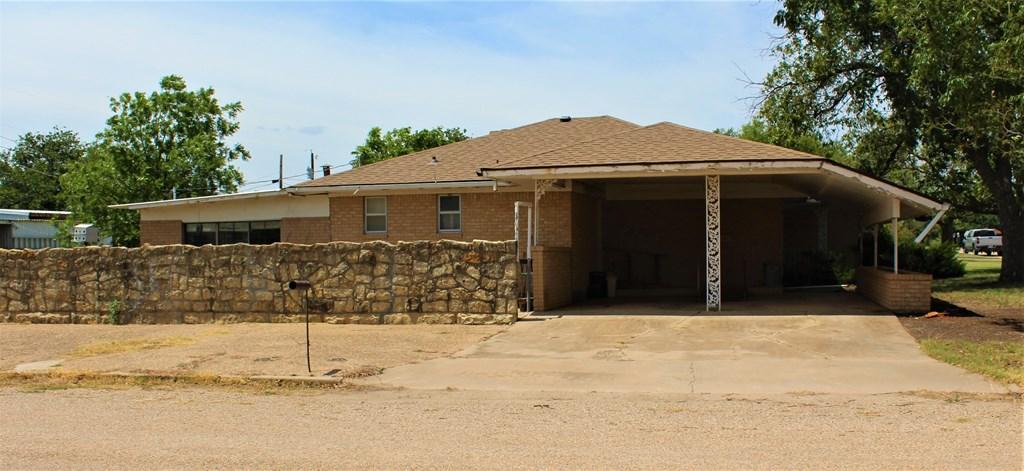 301 3rd St Property Photo 2