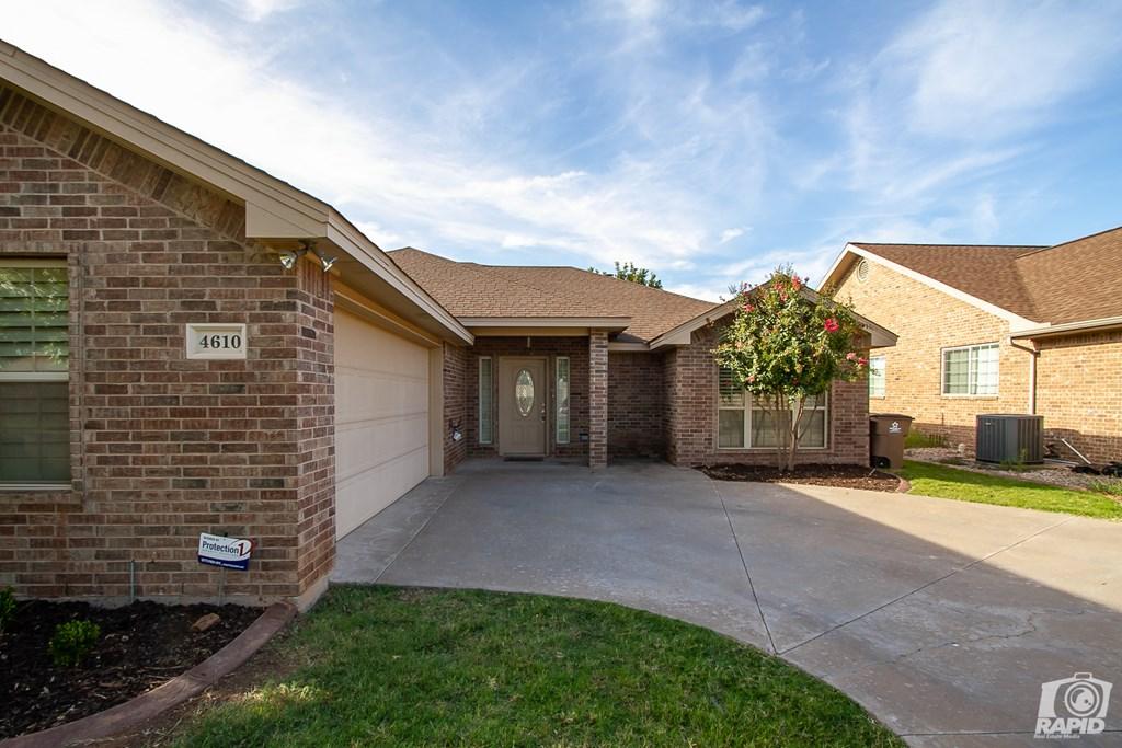 4610 Oak Grove Blvd Property Photo 3