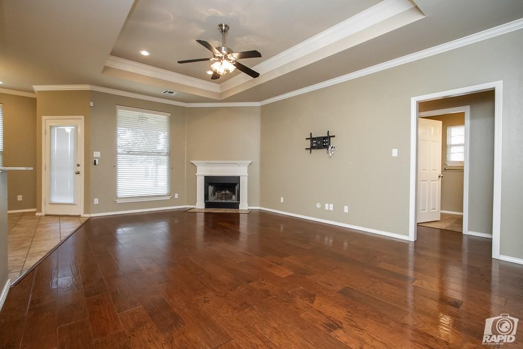 4610 Oak Grove Blvd Property Photo 4