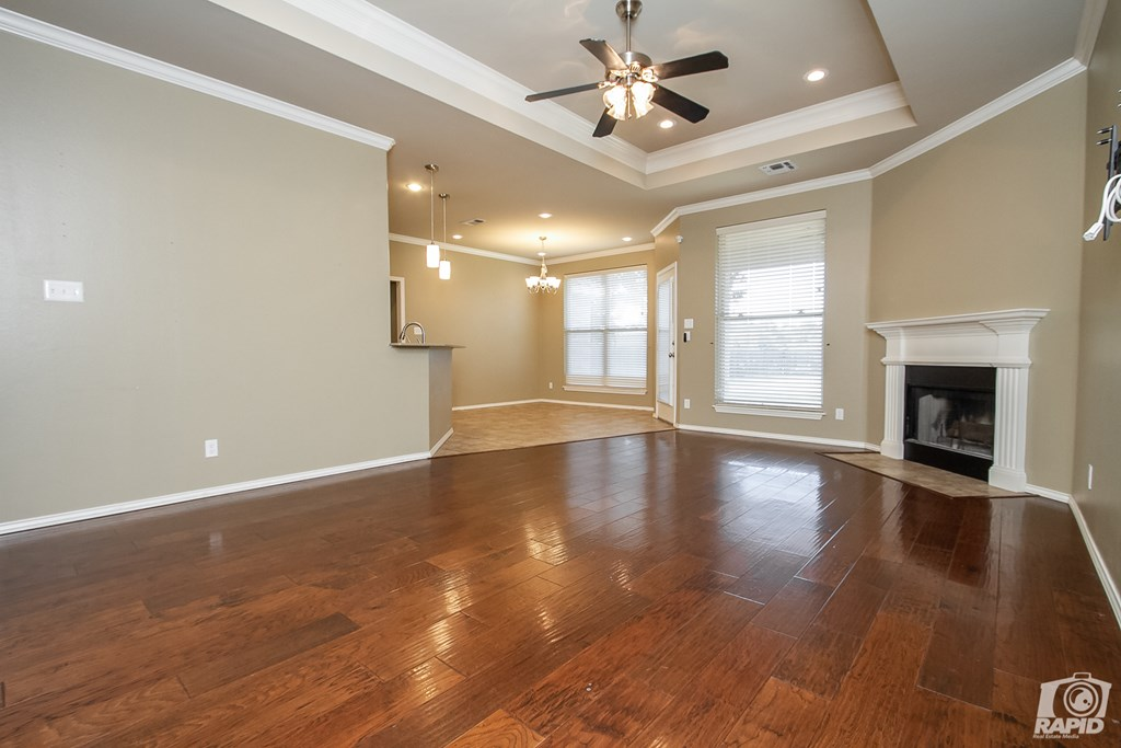 4610 Oak Grove Blvd Property Photo 5