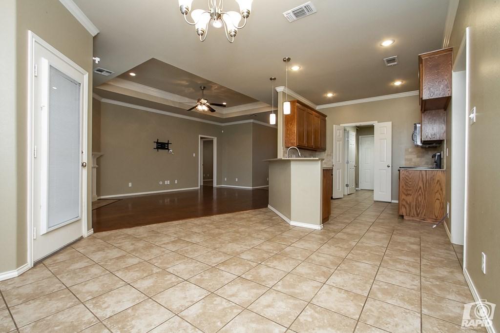 4610 Oak Grove Blvd Property Photo 7