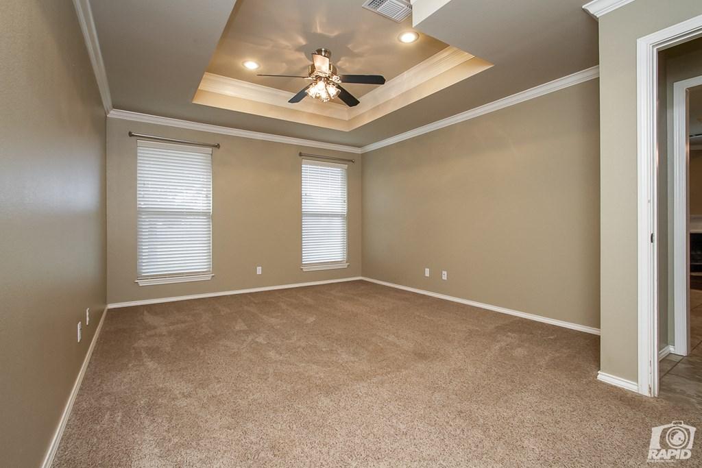 4610 Oak Grove Blvd Property Photo 11