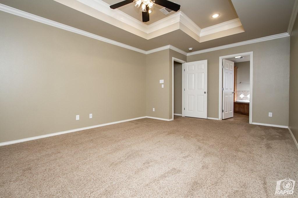 4610 Oak Grove Blvd Property Photo 12