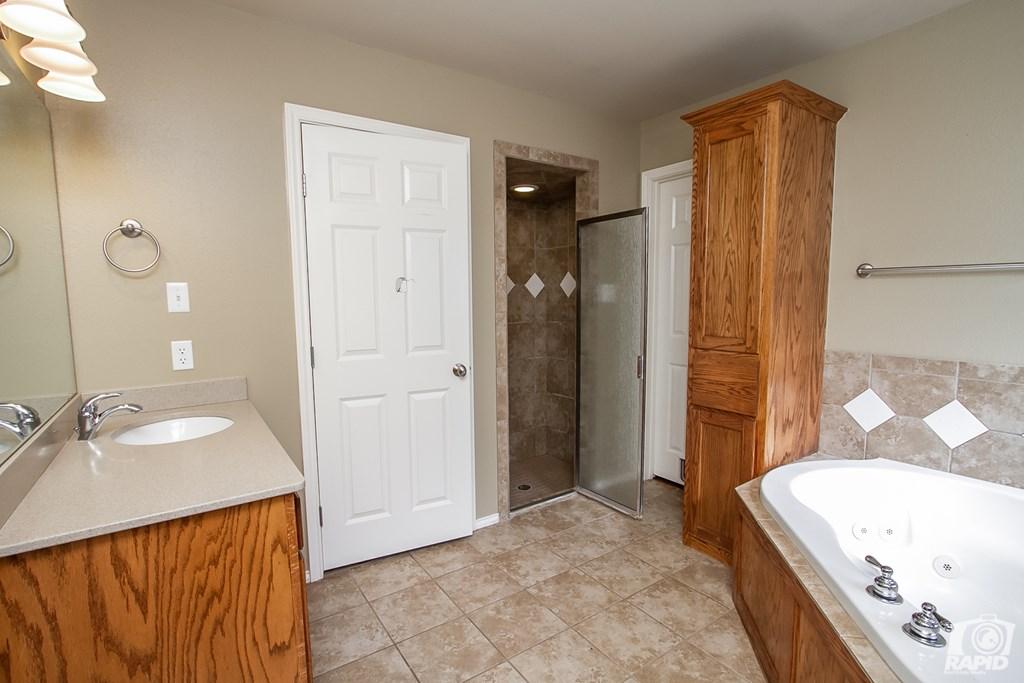 4610 Oak Grove Blvd Property Photo 14