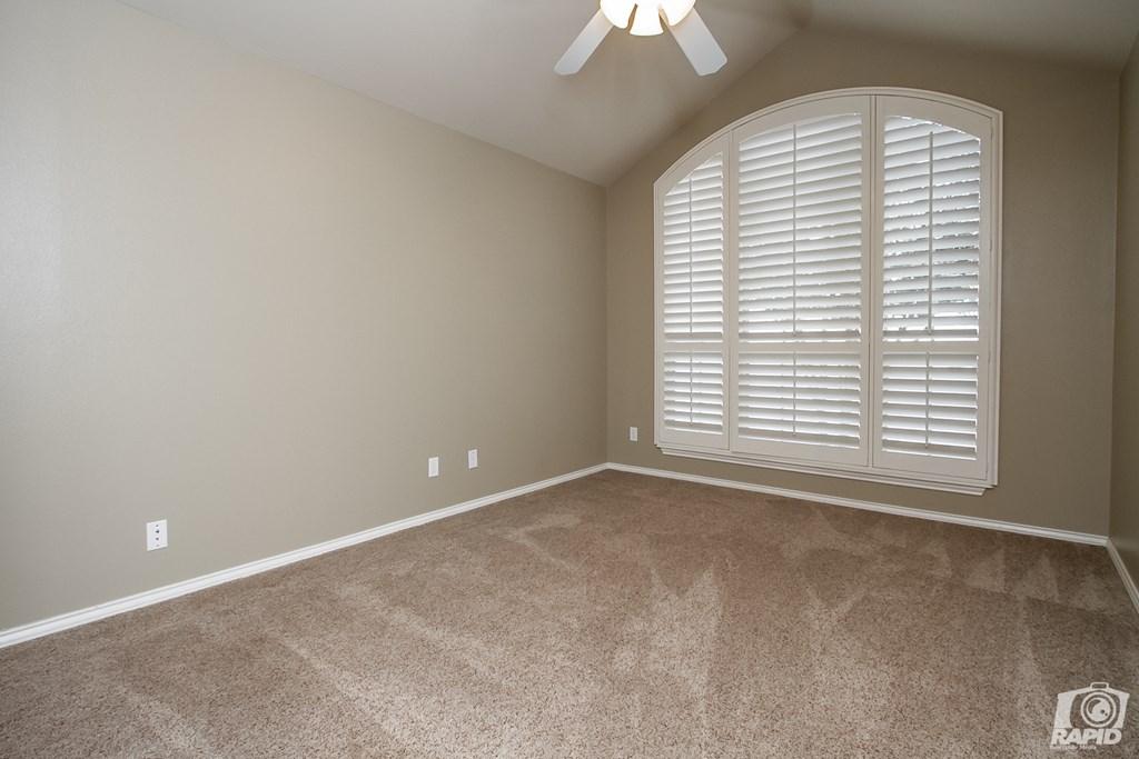 4610 Oak Grove Blvd Property Photo 17