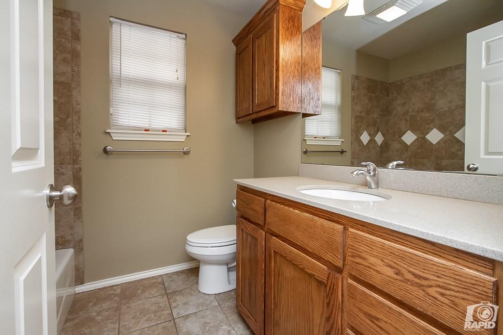 4610 Oak Grove Blvd Property Photo 18