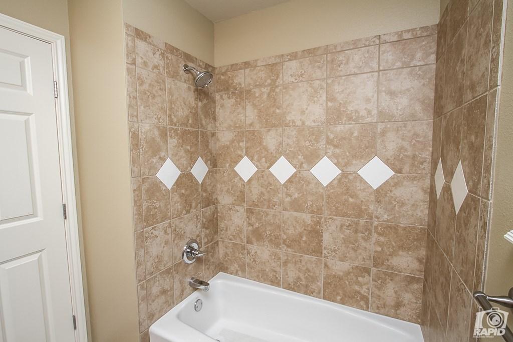 4610 Oak Grove Blvd Property Photo 19