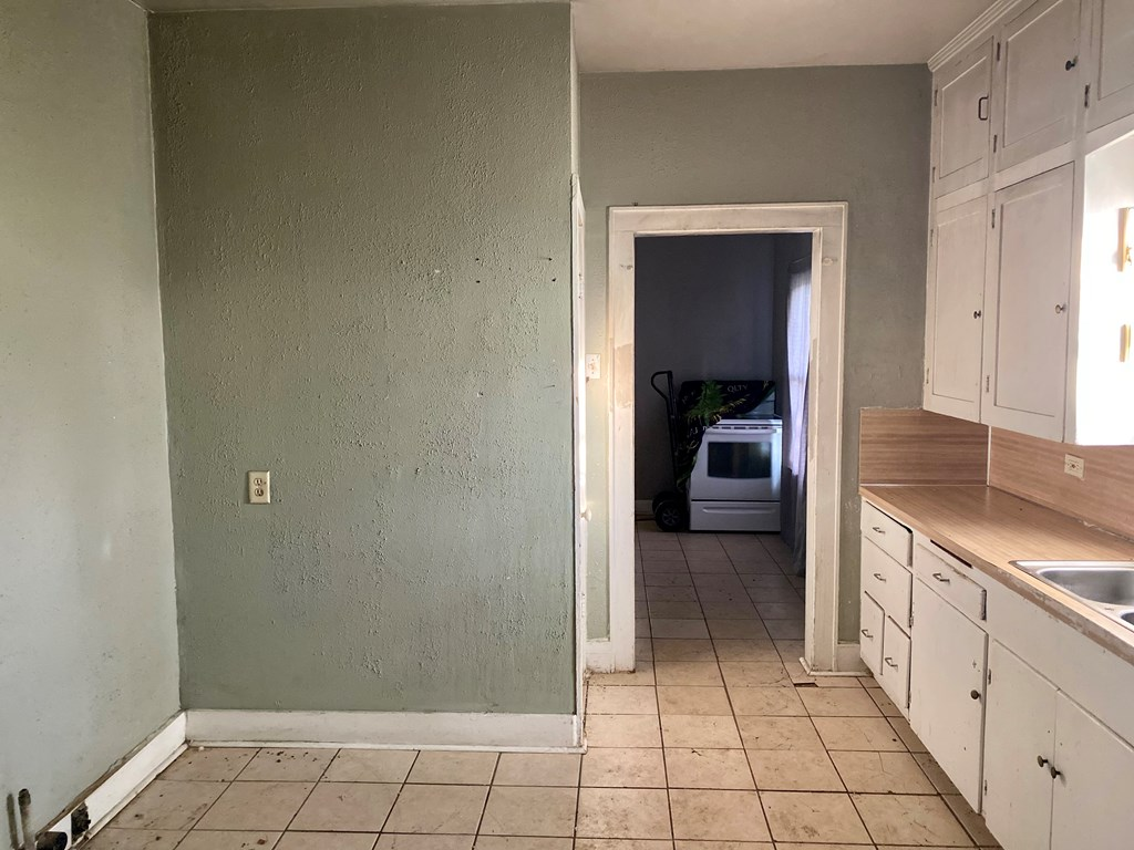 1716 W Harris Ave Property Photo 14