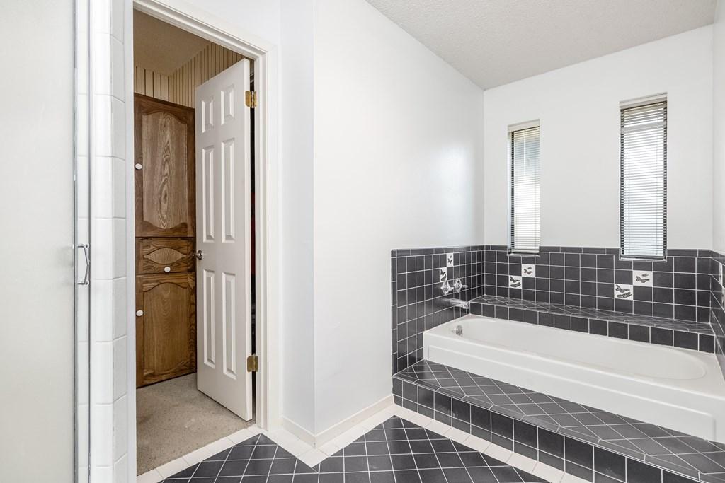 3230 Ridgecrest Lane Property Photo 18
