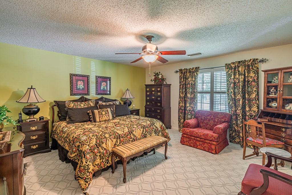 2540 Live Oak St Property Photo 25