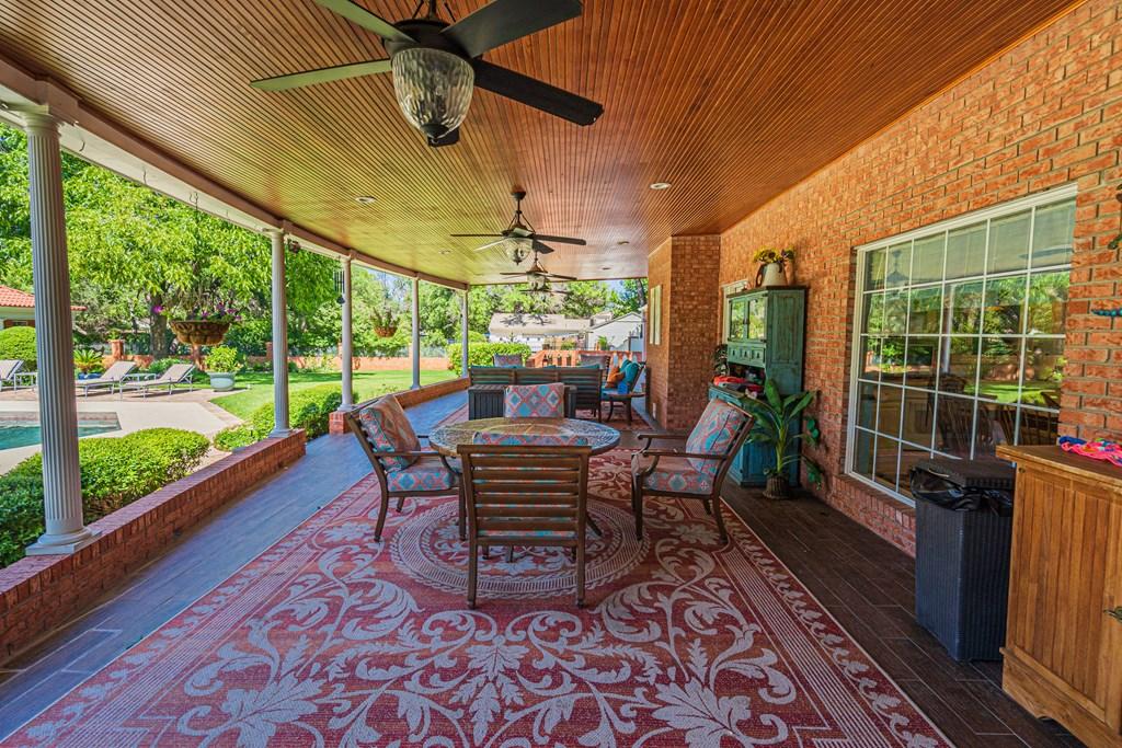 2540 Live Oak St Property Photo 31