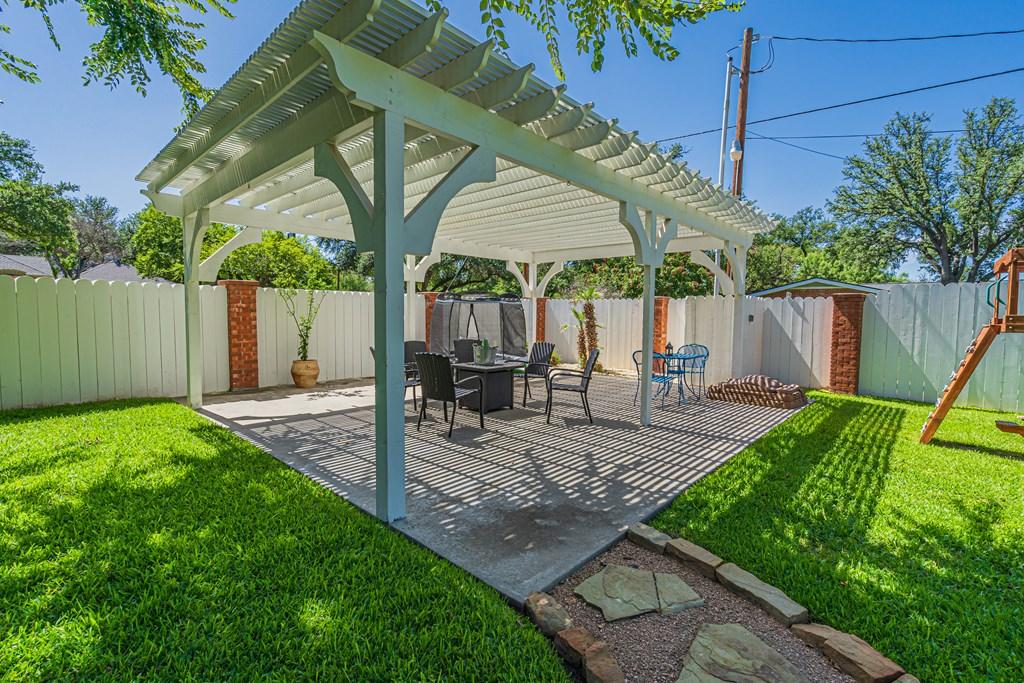 2540 Live Oak St Property Photo 41