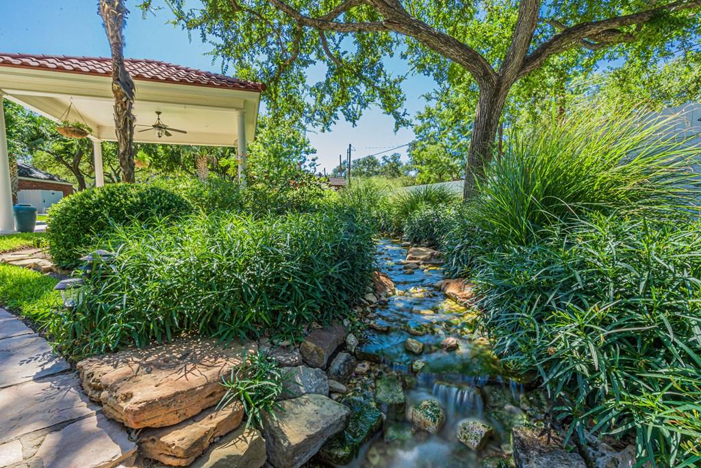 2540 Live Oak St Property Photo 42