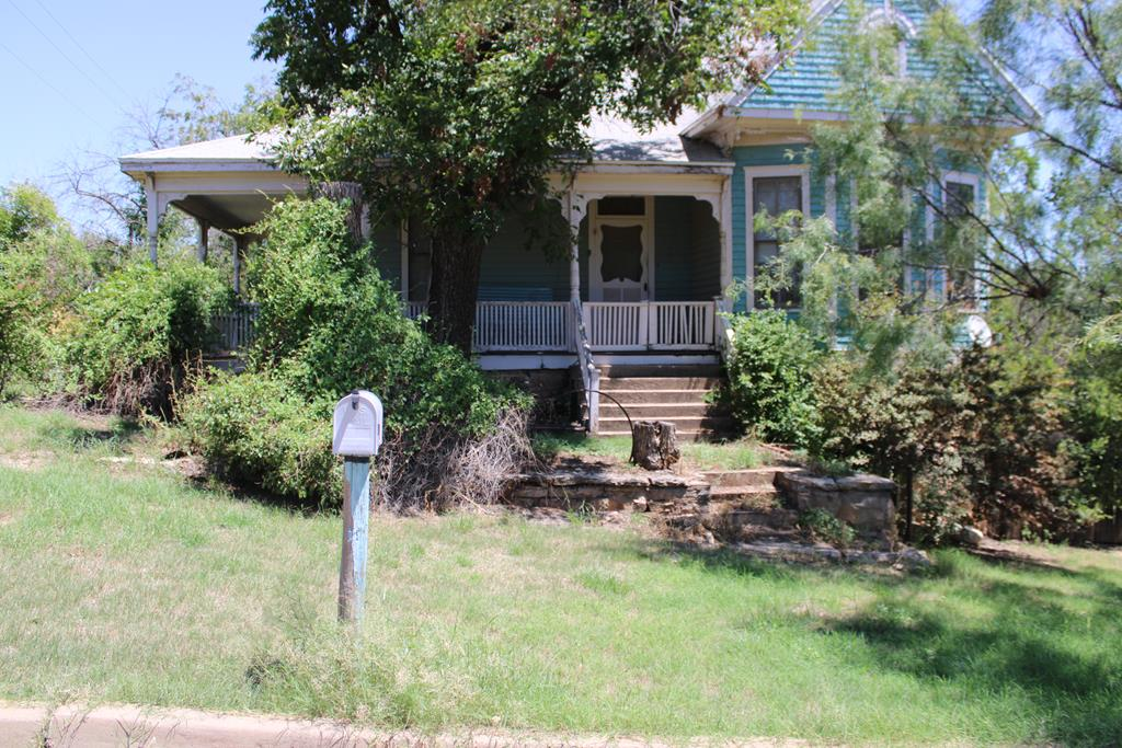 208 N 11th St Property Photo 1