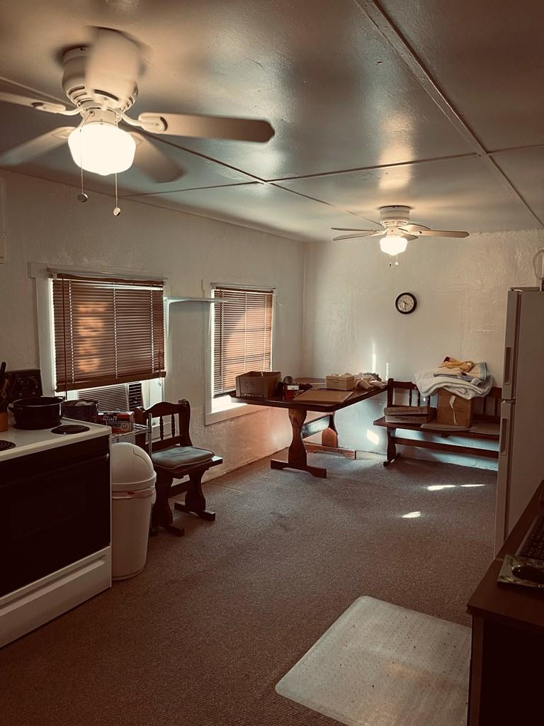 411 E Murchison Ave Property Photo 3