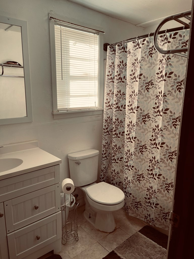 411 E Murchison Ave Property Photo 6