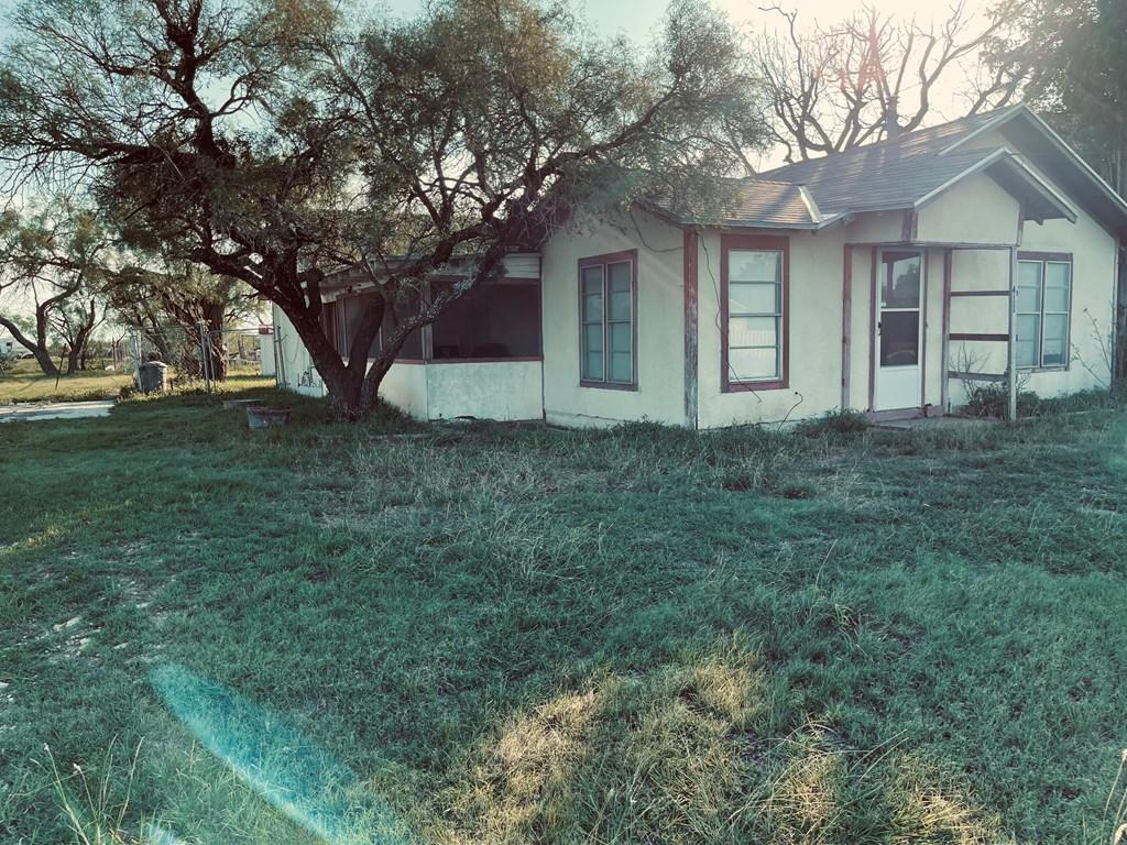 411 E Murchison Ave Property Photo 8