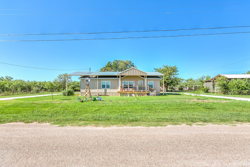 1401 16th St Property Photo 1