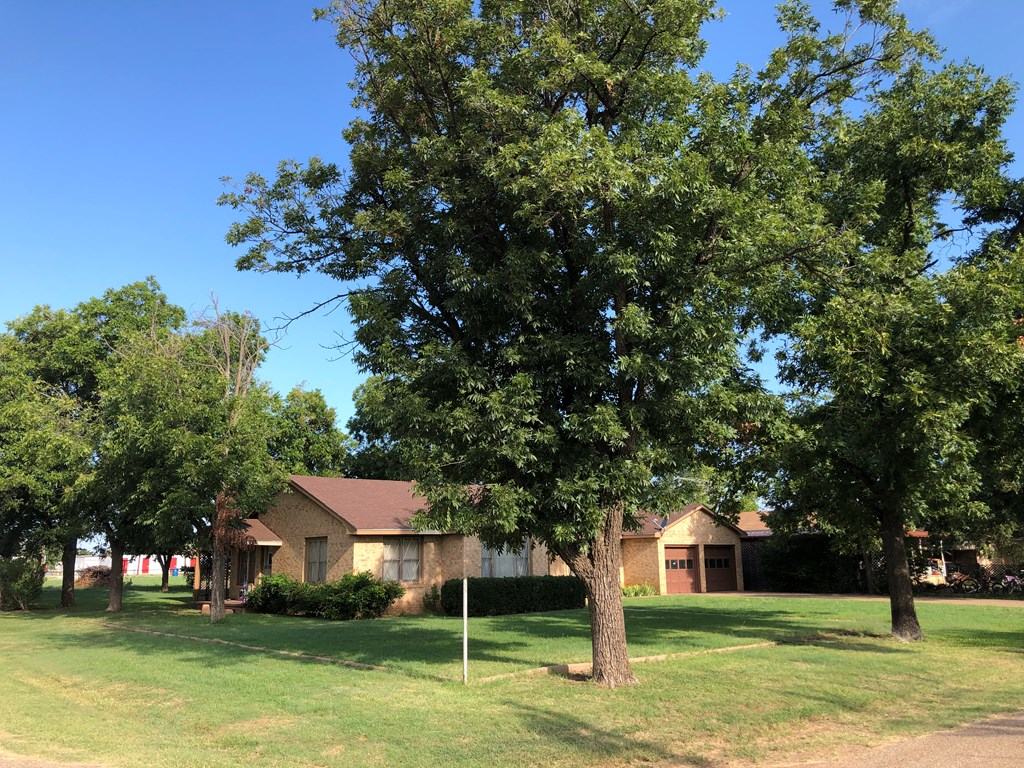 301 N Randall St Property Photo 1