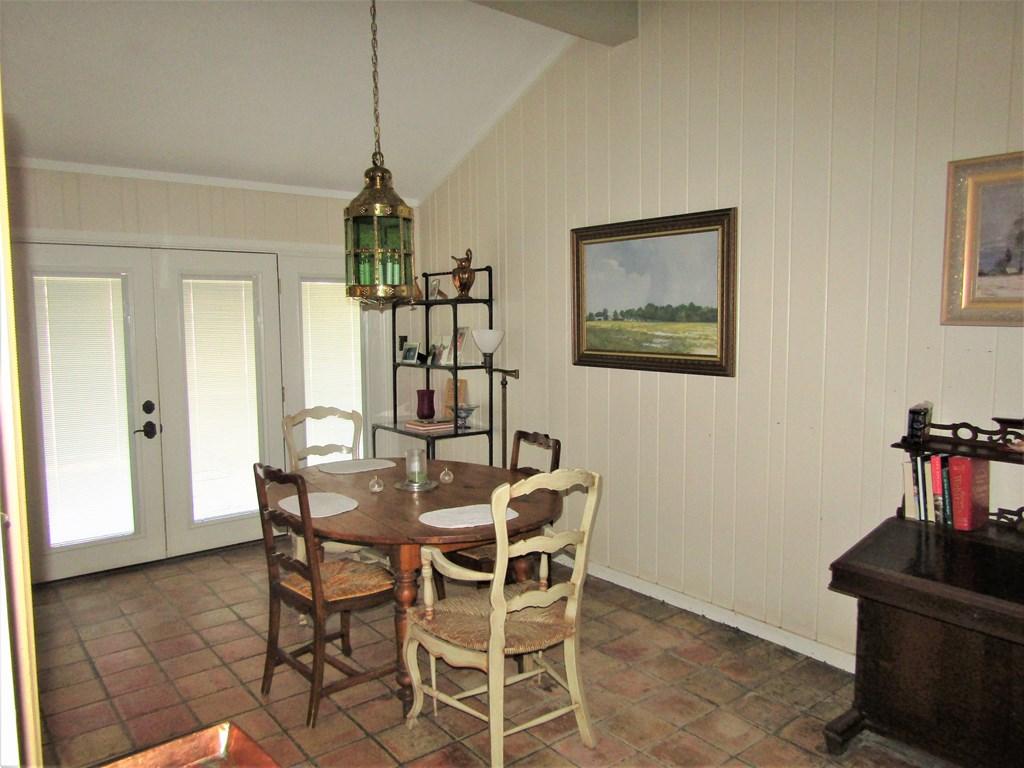 307 Edgemont Rd Property Photo 15