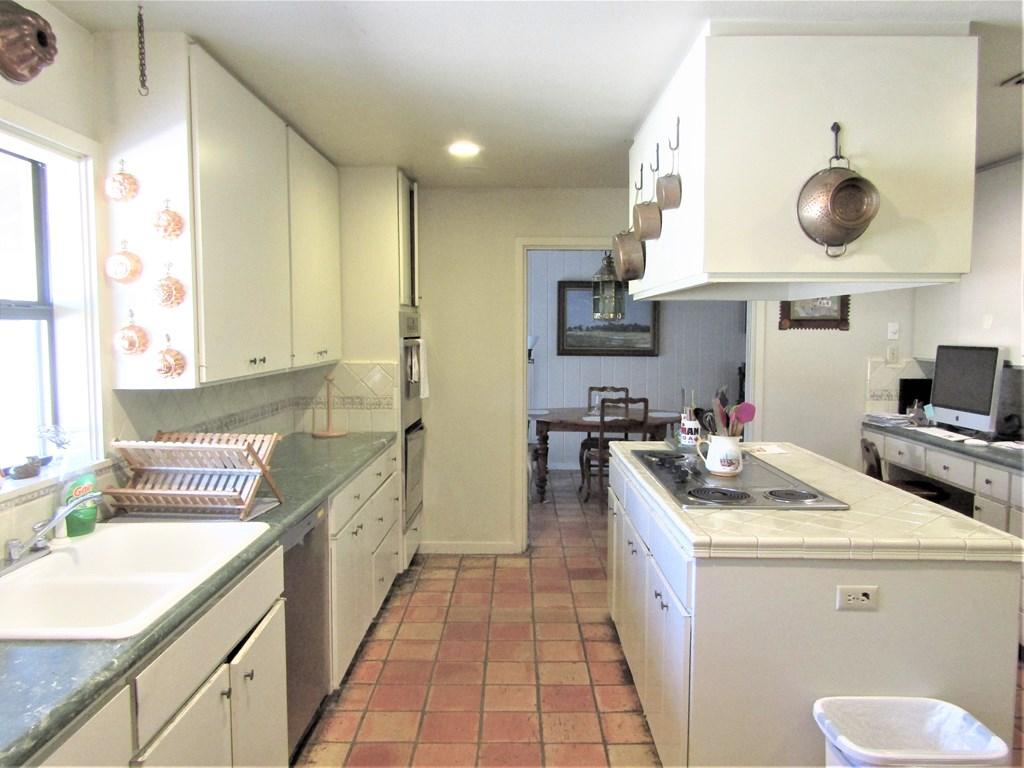 307 Edgemont Rd Property Photo 18