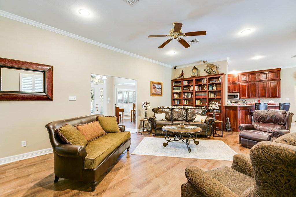 811 Buffalo Lane Property Photo 8