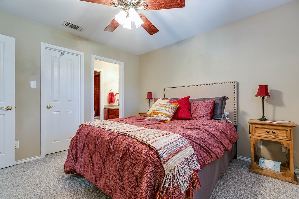 811 Buffalo Lane Property Photo 24