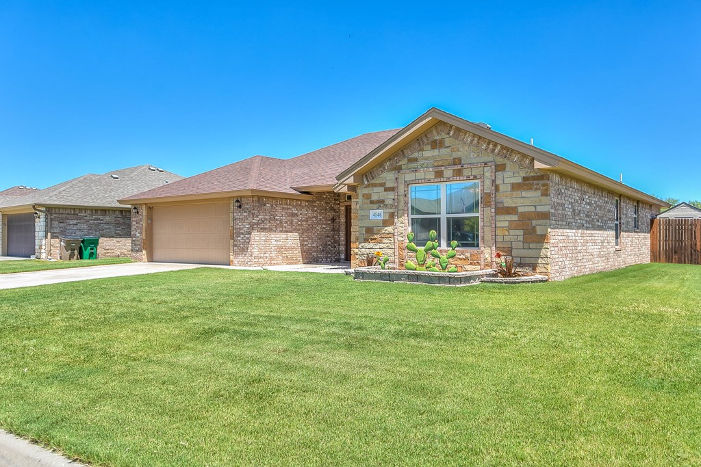 4146 Autumnwood Trail Property Photo 2