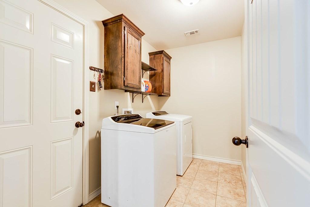 4146 Autumnwood Trail Property Photo 27