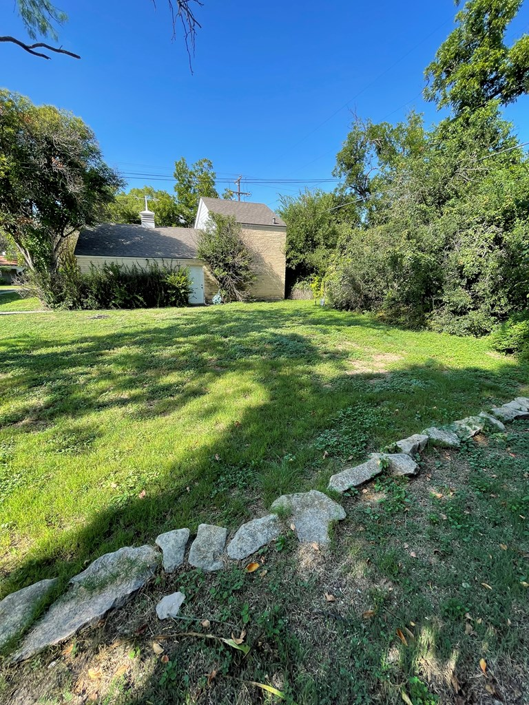 1404 Paseo De Vaca St Property Photo 4