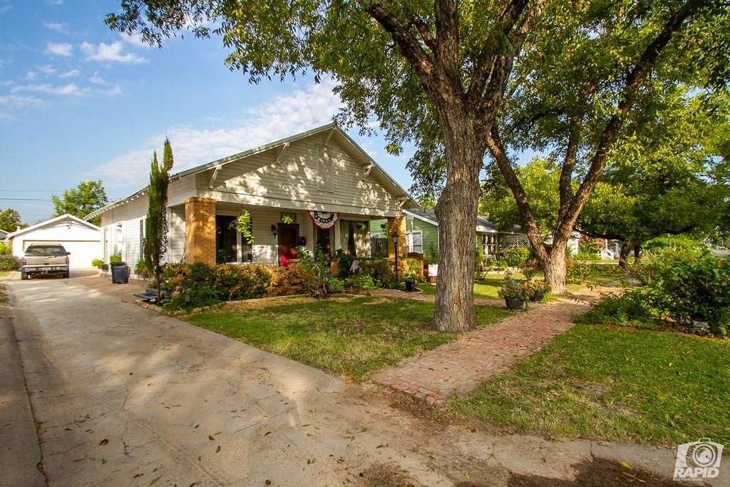 119 N Van Buren St Property Photo 4