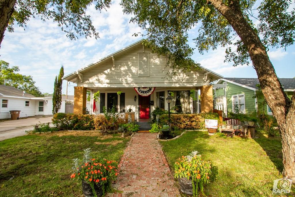 119 N Van Buren St Property Photo 5