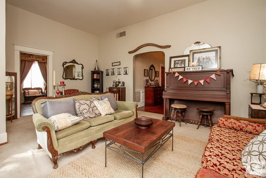 119 N Van Buren St Property Photo 9