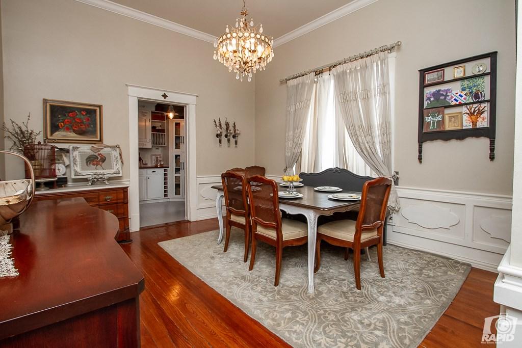 119 N Van Buren St Property Photo 10