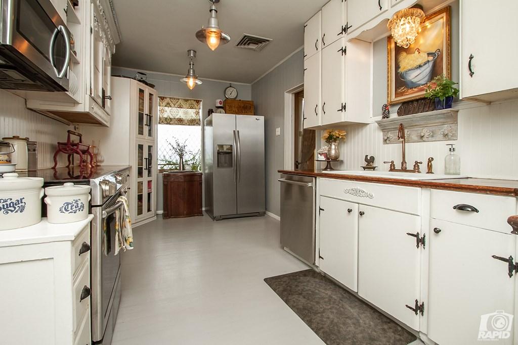 119 N Van Buren St Property Photo 12