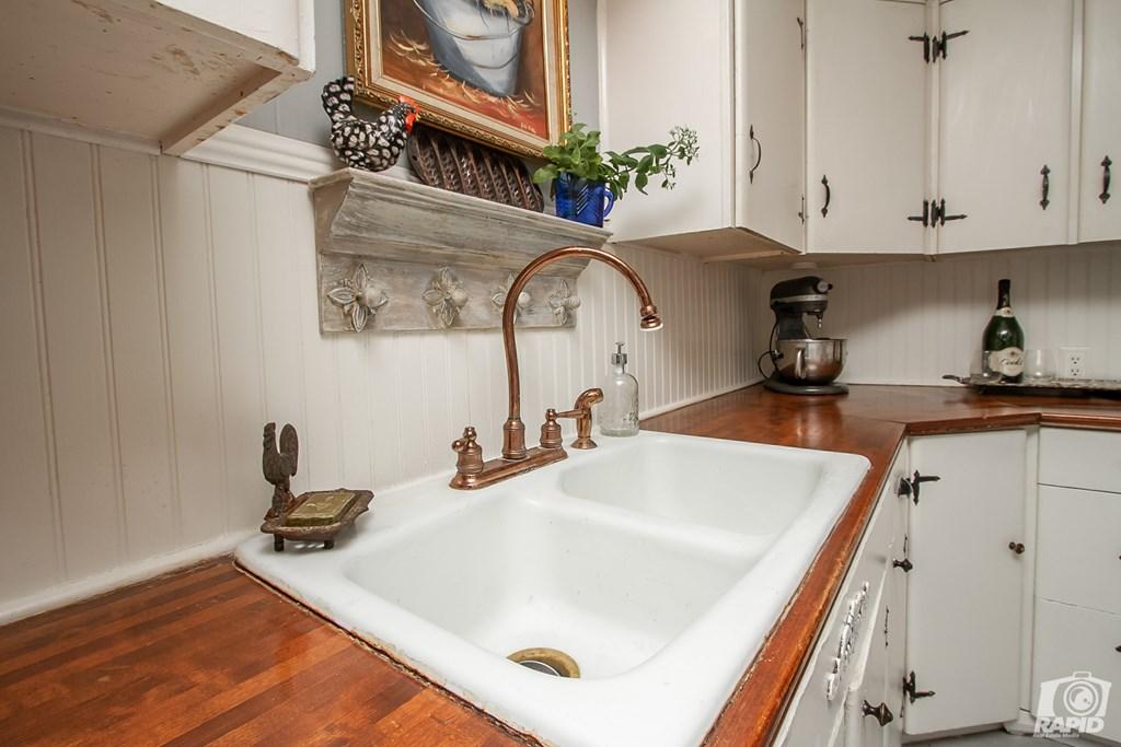 119 N Van Buren St Property Photo 14