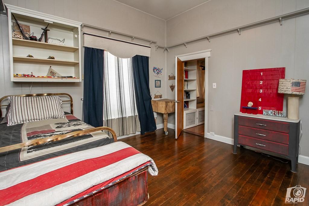119 N Van Buren St Property Photo 17