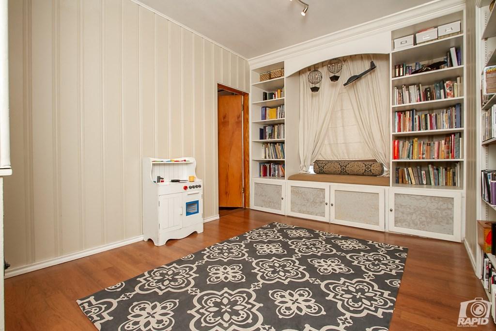 119 N Van Buren St Property Photo 21