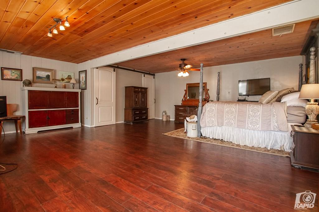 119 N Van Buren St Property Photo 23