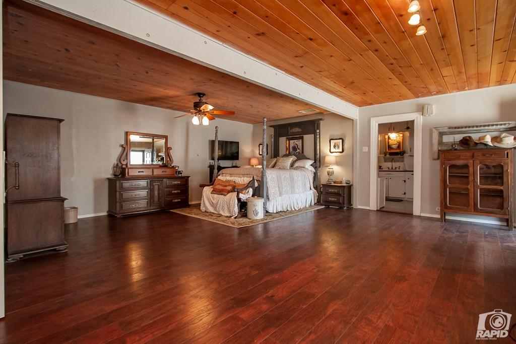 119 N Van Buren St Property Photo 25