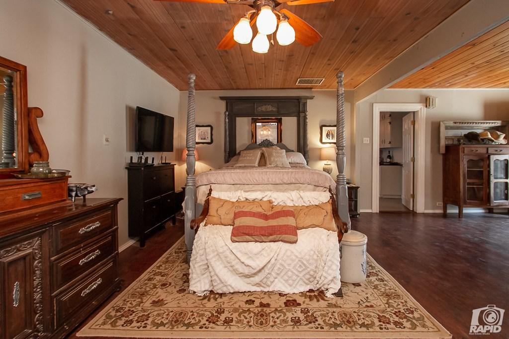 119 N Van Buren St Property Photo 26