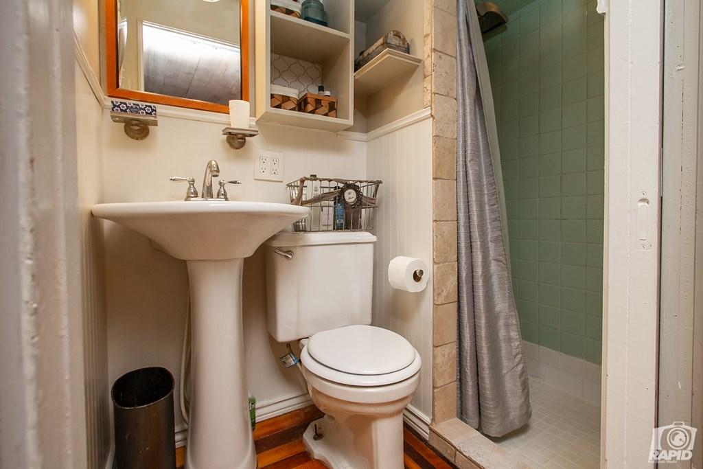 119 N Van Buren St Property Photo 27