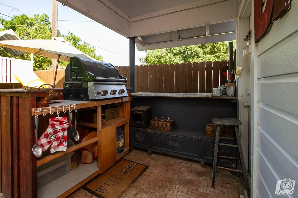 119 N Van Buren St Property Photo 32