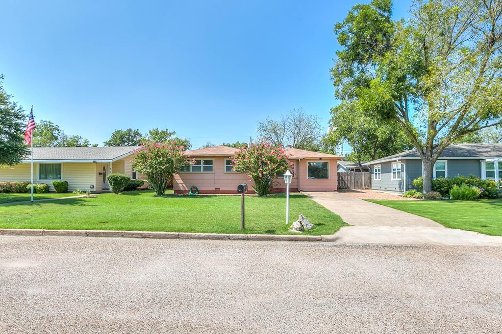 703 N 3rd St Property Photo 1