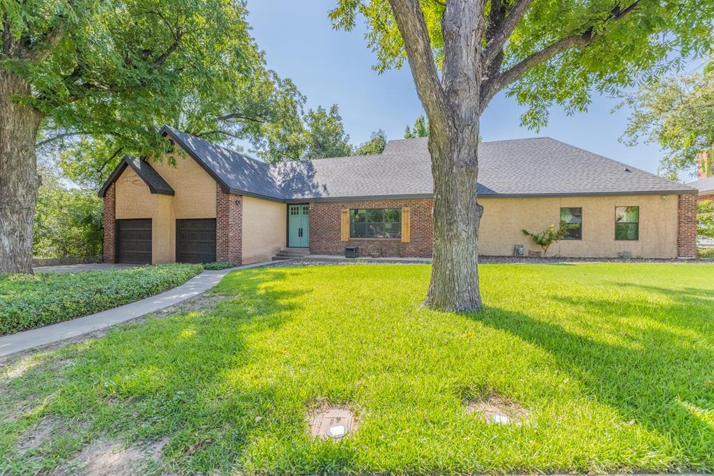 1005 W Ave D Property Photo 1